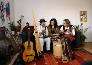 Prova på boliviansk sång och dans